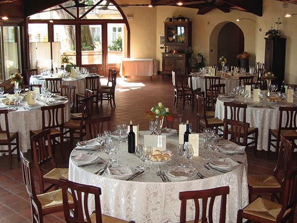 In omaggio prova menù, camere per genitori e sposi che prenotano il banchetto al ristorante San Genesio