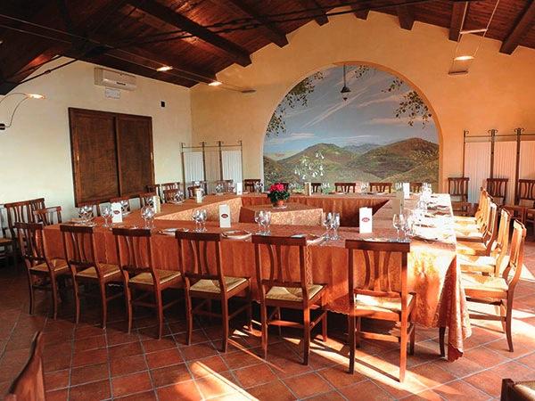 Il ristorante San Genesio applica agli sposi uno sconto del 5% sui menù a partire da 50 Euro