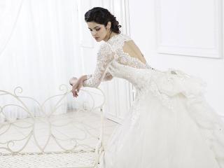 Scegliendo l'abito presso Magnani Sposa, un soggiorno di due settimane è in omaggio per voi