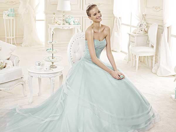 Sconto di 400 euro per l'acquisto dell'abito da sposa e da sposo presso l'atelier Kappadisposi
