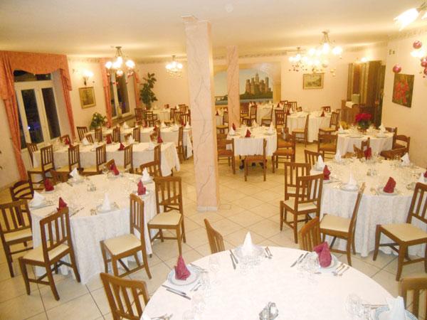 Nozze di gusto al ristorante La Lenza con bimbi gratis fino a 2 anni, e a soli 15 euro dopo i 3 anni