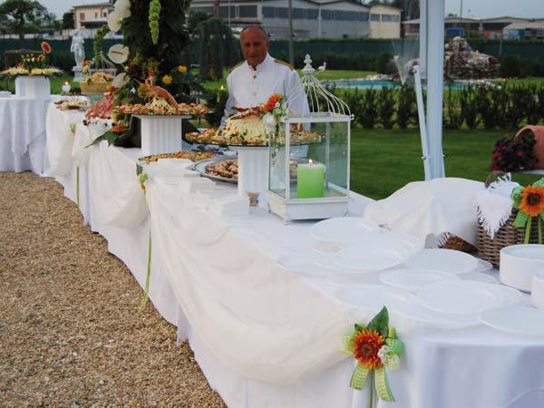 Festeggiate le vostre nozze al ristorante Silvana per un ricevimento a buffet a partire da 20 euro
