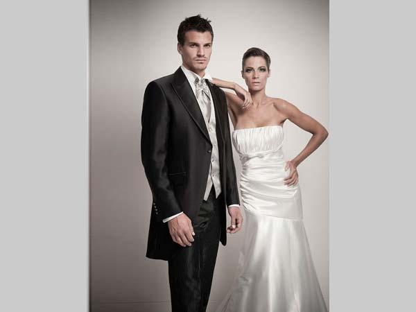 Acquistando l'abito da sposa da Sposissimi & Co., il vestito per il vostro futuro marito è omaggio