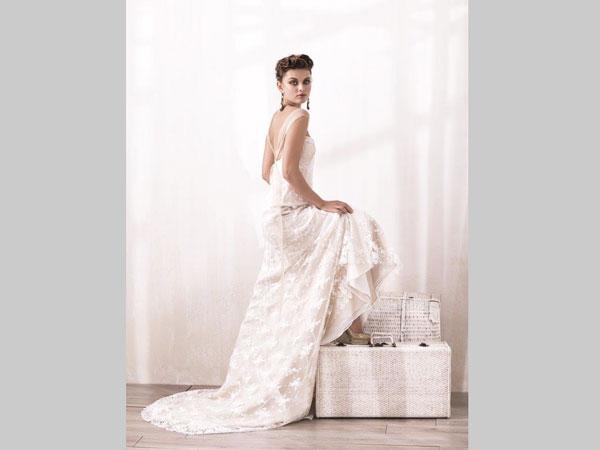 Viola Atelier applica uno sconto del 10% sugli abiti da sposa a partire da un valore di 1500 euro