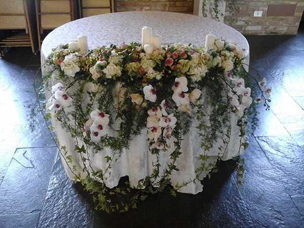 Decorate le vostre nozze con gli eleganti addobbi floreali, scontati del 5%, della Casa dei Fiori