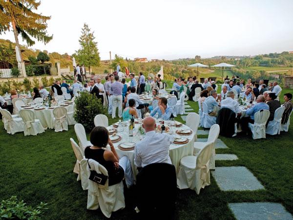 Al ristorante astigiano Podere la Piazza Agriturismo nozze con menù bambino a partire da 15 euro
