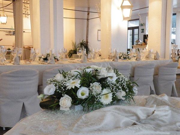 Prezzi speciali sui menù delle nozze fuori stagione e feriali presso il ristorante A Calafuria