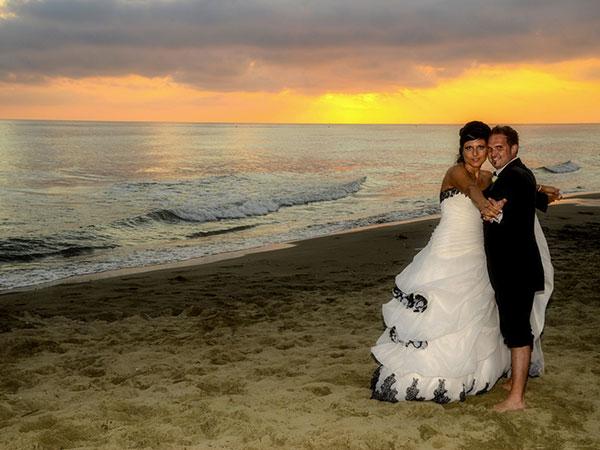 Arte Foto, in occasione delle vostre nozze, propone i pacchetti fotolibro a partire da 900 euro