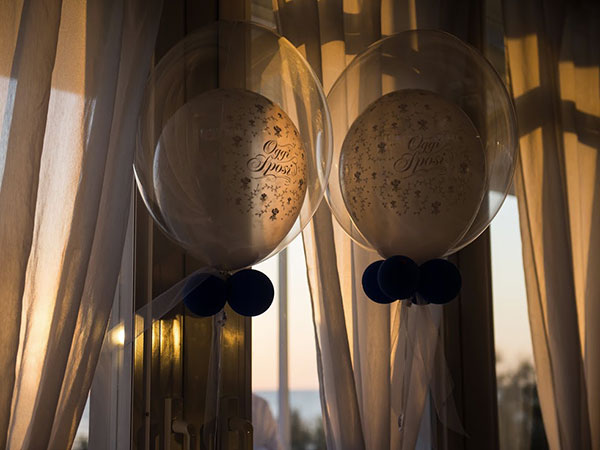 Il ristorante Hotel Universal, in occasione delle vostre nozze, raddoppia l'omaggio per la suite