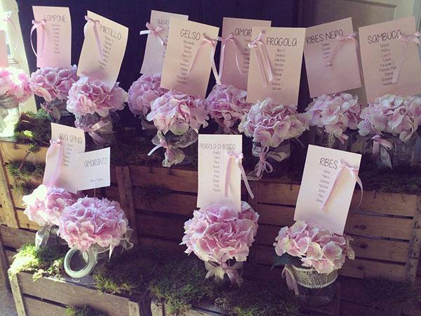 La progettazione del matrimonio è gratuita da Oui Fleurs et Maison: per voi un allestimento da sogno