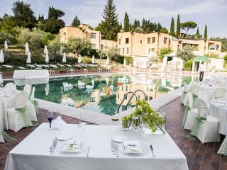 Affitto a prezzi favorevoli e interessanti della location per matrimoni Sporting Club Ugolino