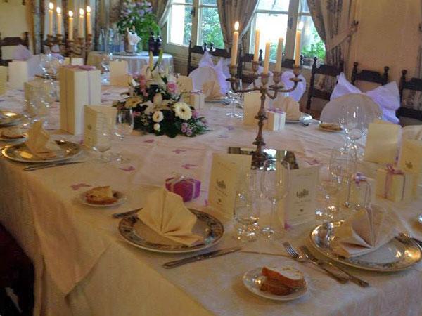 La suite matrimoniale per la prima notte di nozze è in omaggio presso la location Villa le Rondini