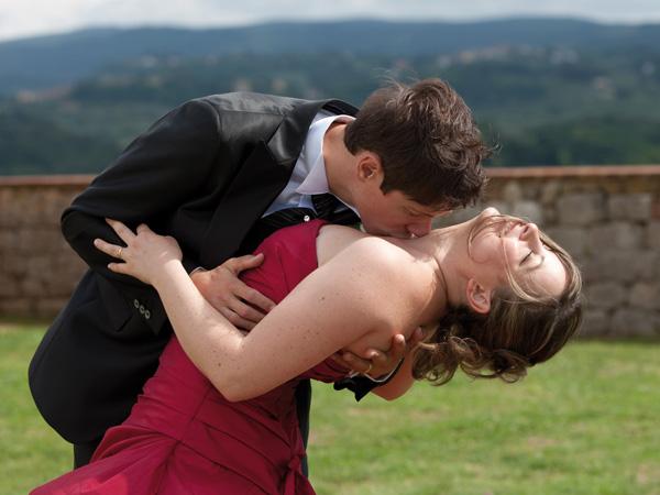 Lo studio fotografico di Alessio Vallese regala agli sposi un video che narra la loro storia d'amore