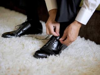 La perfezione passa anche dalle giuste scarpe per l\'abito dello sposo