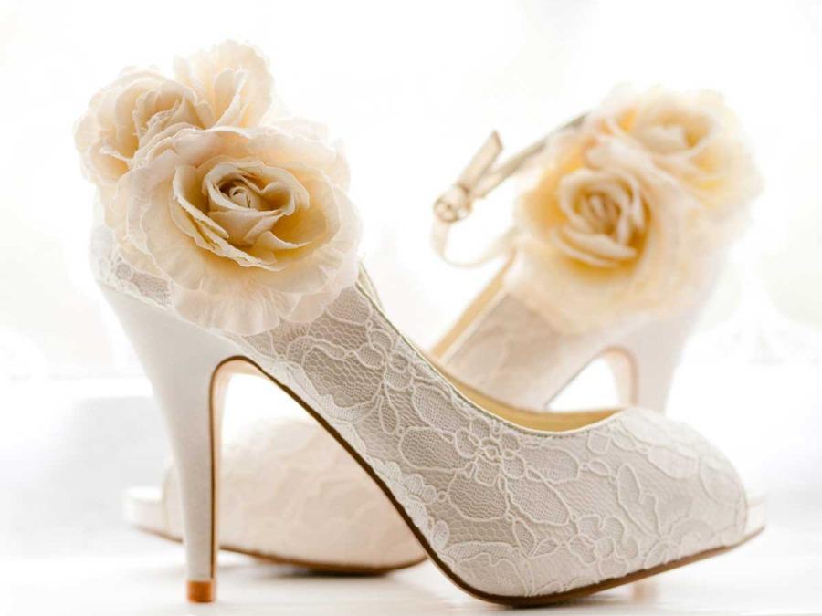 Le scarpe per la sposa: un accessorio unico per rendere indimenticabile il giorno delle nozze