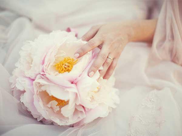 Marcella Fava, per le vostre nozze, propone servizio foto e video, album e due minialbum a 2200 euro
