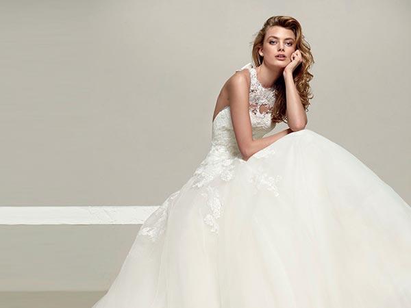 Scopri da Mod'Art la selezione esclusiva di abiti da sposa in pacchetto total look a 1200 euro