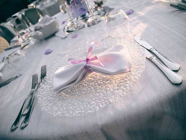 Convenienti menù fuori stagione o feriali attendono i futuri sposi che scelgono il ristorante Villa Maya per il ricevimento