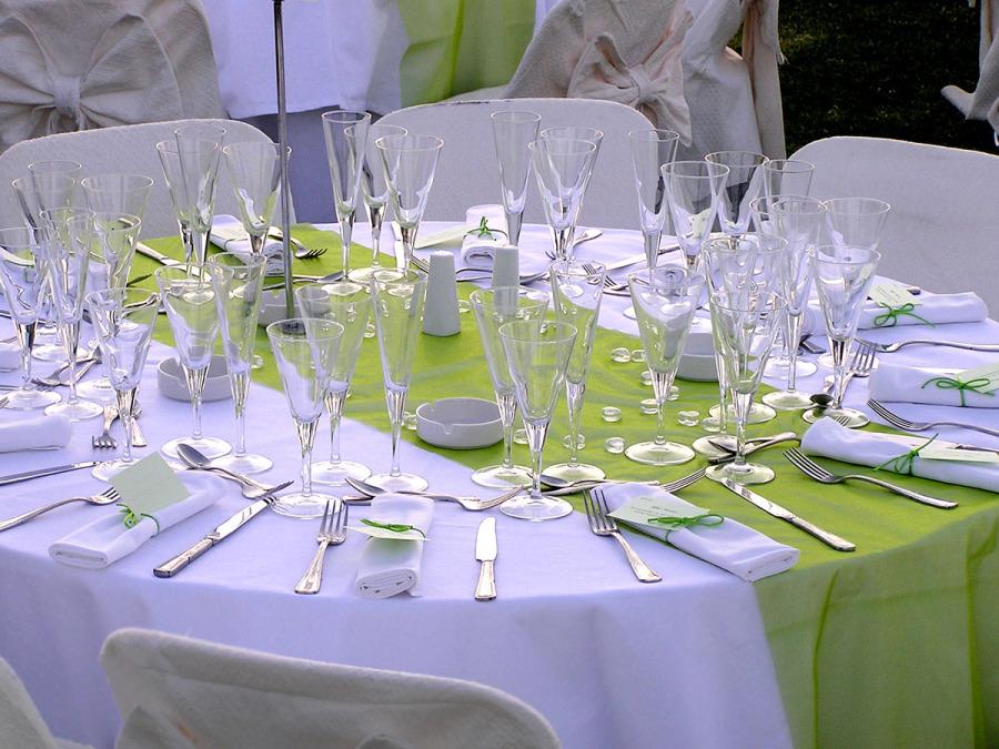 Posti a tavola, il tavolo d'onore: chi si può sedere a fianco degli sposi?