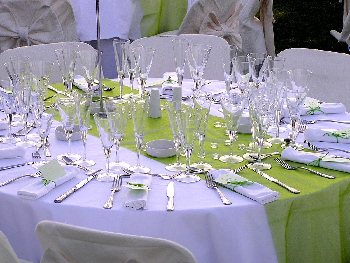 Posti a tavola il tavolo duonore chi si pu sedere a fianco - Tavoli addobbati per diciottesimi ...