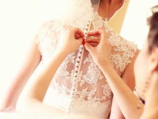 Il corpetto dell'abito da sposa: un tocco romantico ed elegante a cui è difficile dire di no