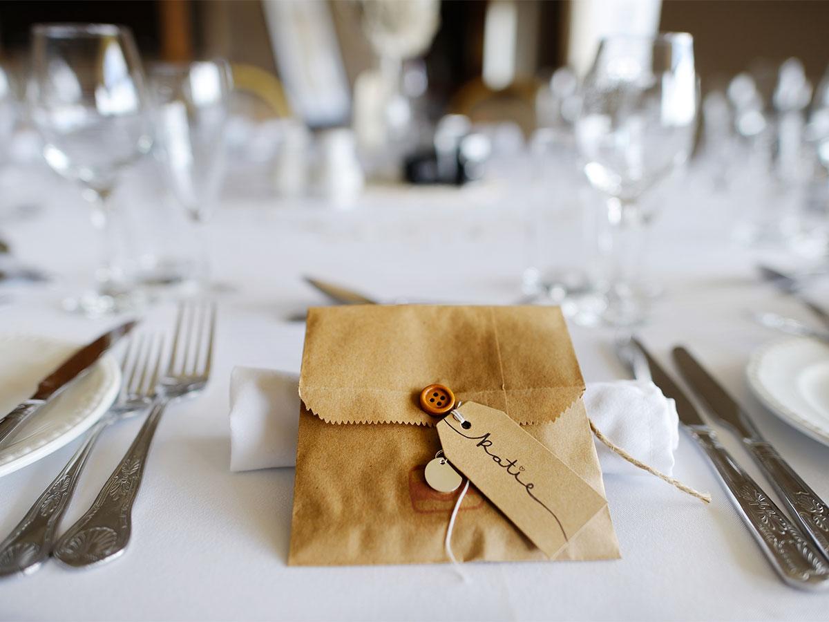 La graziosa abitudine di un piccolo elegante e originale segnaposto - Idee originali per segnaposto matrimonio ...