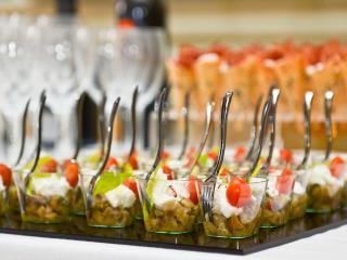 Stuzzicate i vostri ospiti con il finger food durante il banchetto di nozze