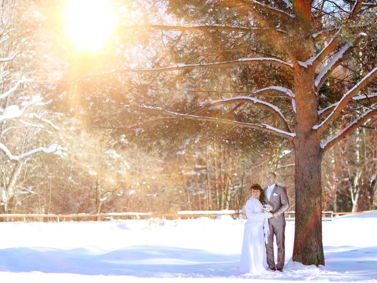 Un abito da sposa bianco e candido come la neve… ma caldo ed elegante