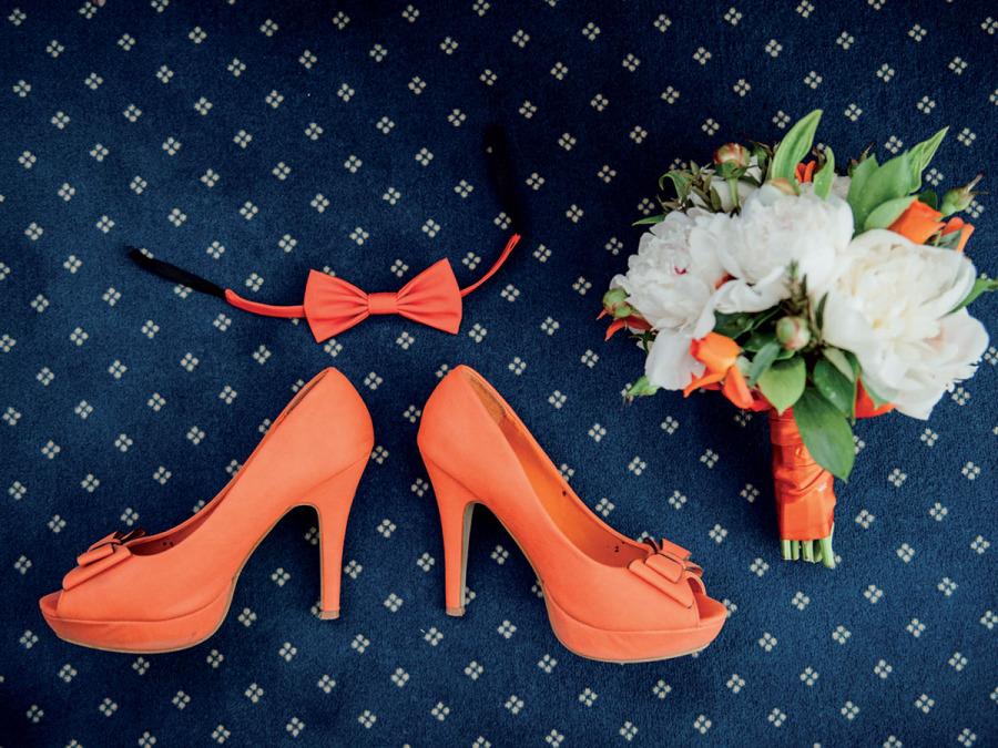 La scarpa da sposa si tinge di… giallo, verde e arancione, coordinata all'abito o al bouquet