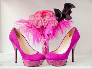 Un tocco di colore e fantasia anche per le scarpe della sposa