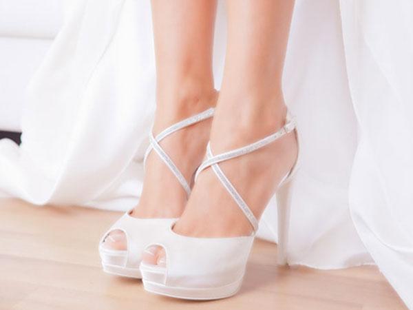 Scarpe Sposa Como.Tulle Calzature Sposa Look E Abbigliamento Scarpe Sposa Torino