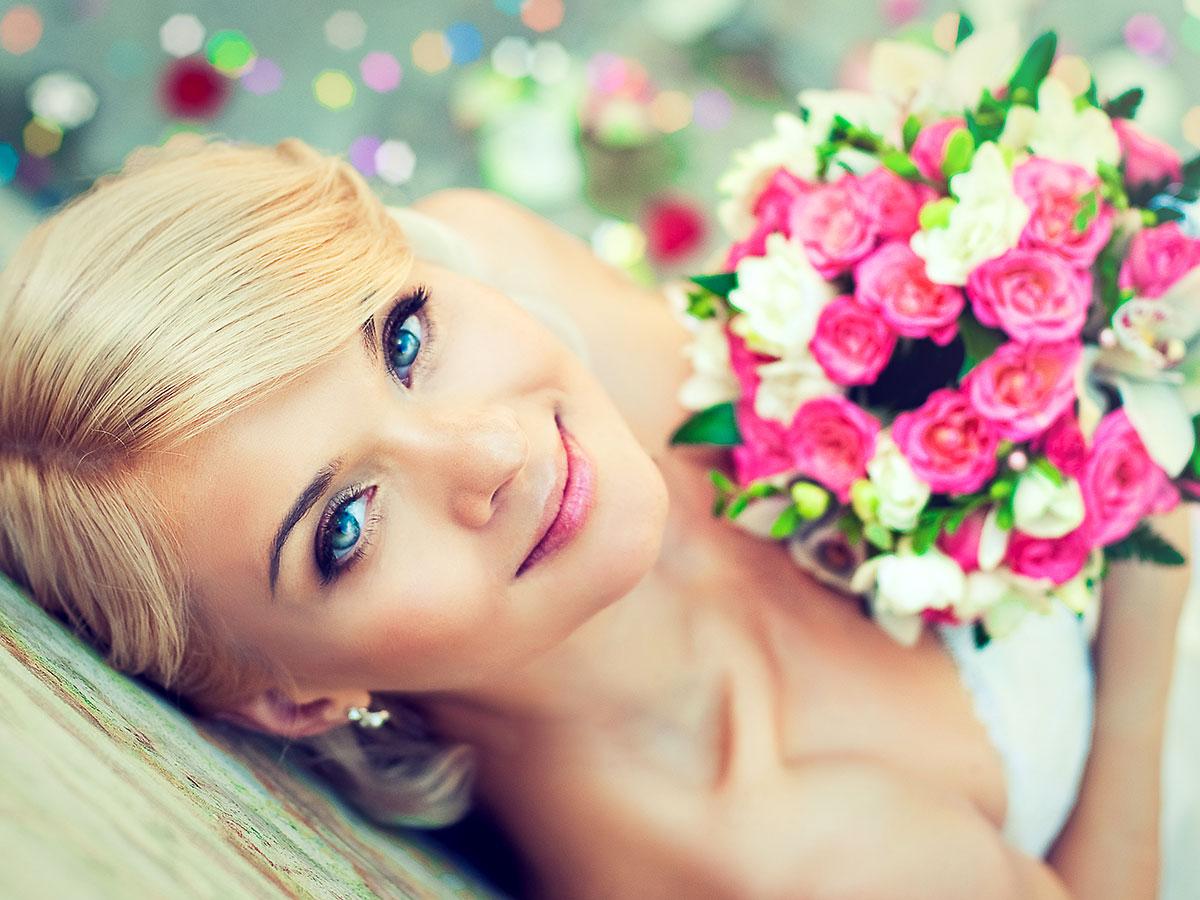 Non solo la testa a posto… ma si sa, una buona acconciatura per la sposa aiuta