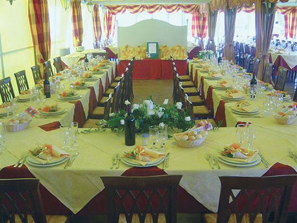 All'Antica Osteria dell'Abate i menù feriali e fuori stagione sono proposti a partire da 40 euro