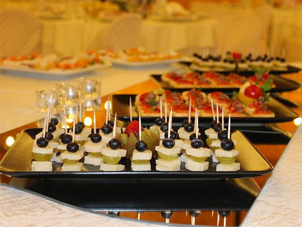 Coccolate gli ospiti più piccoli con i menù bimbi che il Lago dei Salici offre a un prezzo speciale
