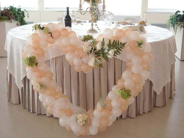 Presso Il Punto Esclamativo l'allestimento completo per le nozze viene offerto a soli 250 euro