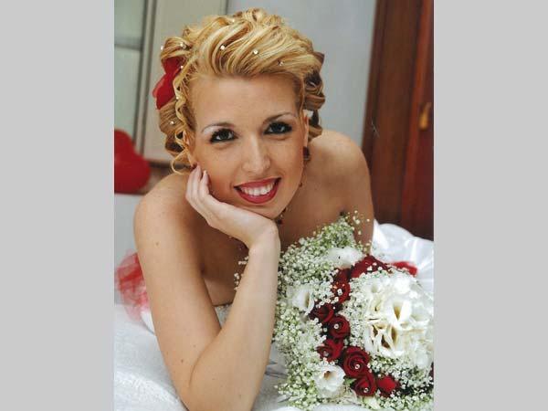 Prova gratuita trucco e acconciatura per chi conferma il servizio delle nozze a Corinne Acconciature