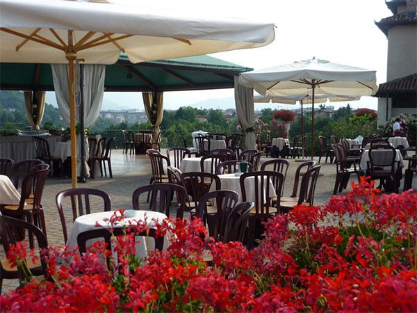 Degustazione gratuita del menù prenotando il banchetto di nozze al ristorante La Borsarella