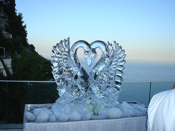 10% di sconto per gli sposi che scelgono per le nozze le sublimi sculture di ghiaccio di Cubetto