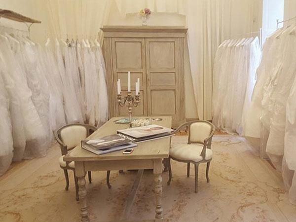 Marcos Atelier offre una grandiosa promozione con sconti del 30% 50% 70% sugli abiti da sposa di fine collezione