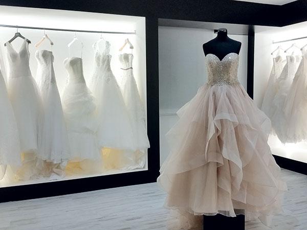 10% di sconto sull'acquisto dell'abito da sposa per chi sceglie il capo presso E20 Atelier