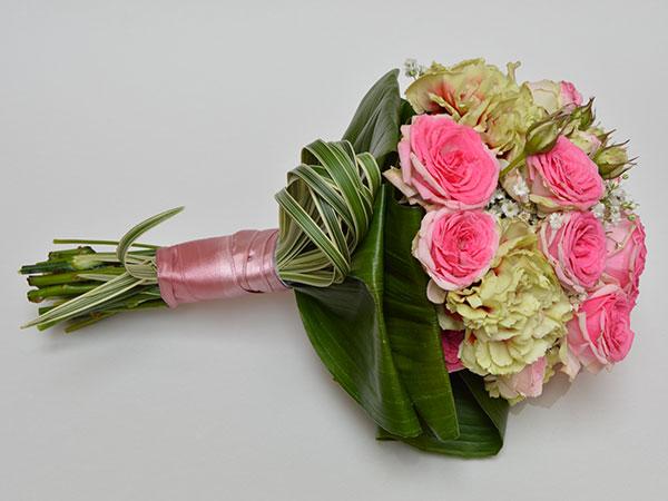 Mirella Faenza ringrazia gli sposi che commissionano il servizio floreale con una pioggia di regali