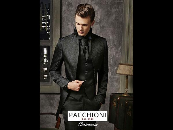 L\'atelier Pacchioni dal 1930 regala la camicia e un buono sconto a chi acquista l\'abito da sposo