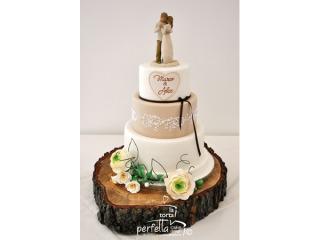 La Torta Perfetta applica uno sconto agli sposi che prenotano la torta nuziale con grande anticipo