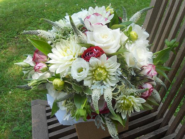 Il fioraio Flor regala il vantaggioso 10% di sconto sui servizi floreali per il matrimonio