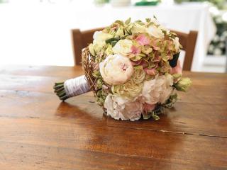 Il bouquet da lancio viene offerto da Flor a tutti gli sposi che gli commissionano il servizio