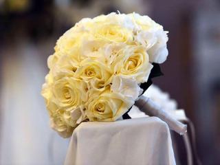 Il bouquet da lancio è in omaggio per gli sposi che scelgono le decorazioni dal Fiorista Ghidini