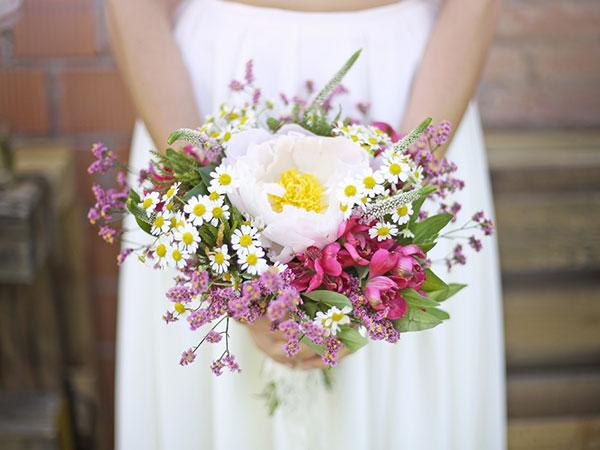 Il bouquet da lancio è in omaggio per tutti gli sposi che si affidano a Oui Fleurs et Maison