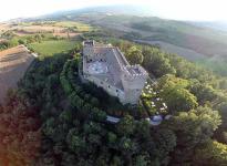 ' .  addslashes(Castello di Rocca d'Ajello) . '