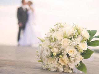 Un pacchetto vacanza per 2+1 è in omaggio per chi redige la lista nozze da Ambrosino Collezioni Casa