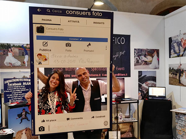 """Consuers Foto offre in regalo il servizio """"Facebook Mania"""" a chi prenota il servizio fotografico entro l'anno"""